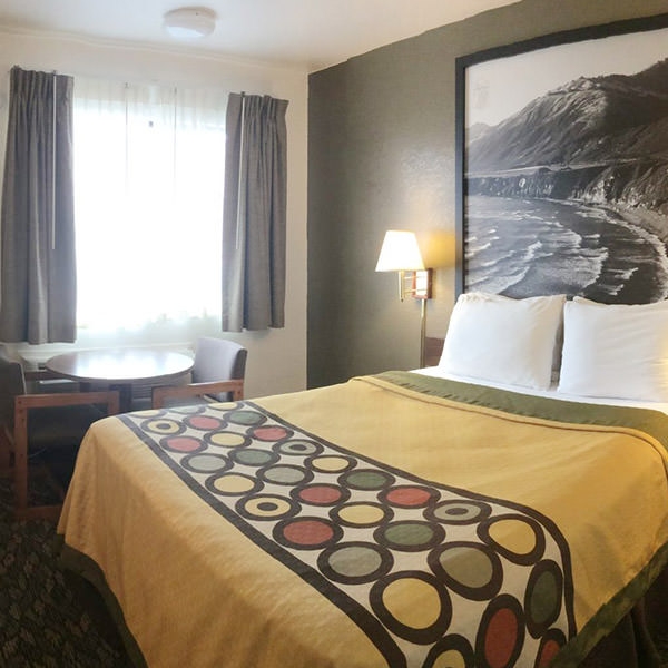 Super 8 Fort Bragg Queen Bed Room