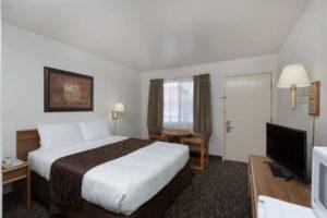 Super 8 Fort Bragg 1 Queen Bed Room