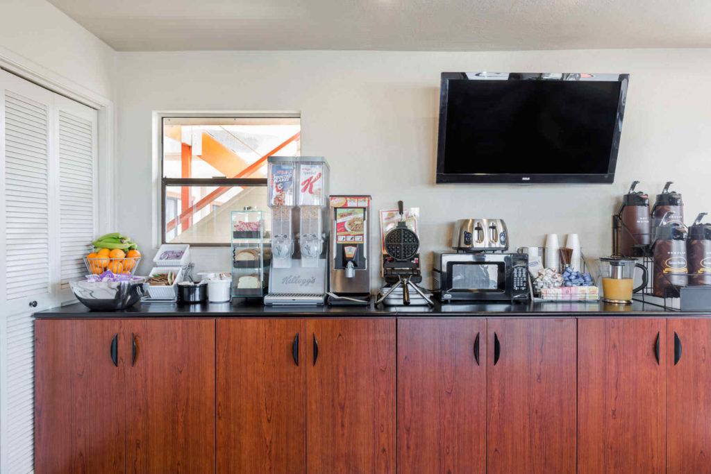 Super 8 Fort Bragg Hotel Amenities