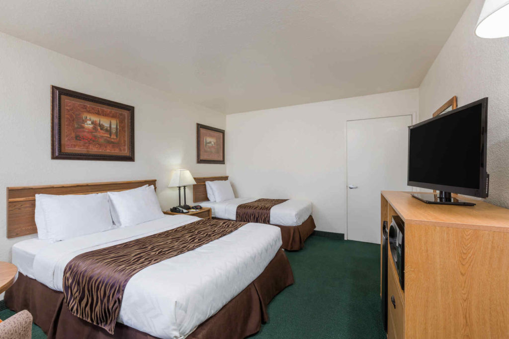 Super 8 Fort Bragg 1 Queen 1 Twin Beds Accessible Room
